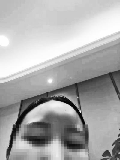 """女大学生整形失败变""""寿星脑"""" 郑州华领医疗美容医院称其索赔1000元"""